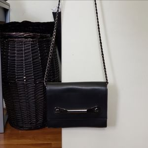 Forever 21 Bags - Black Crossbody Chain Link Bag with Metal Bar